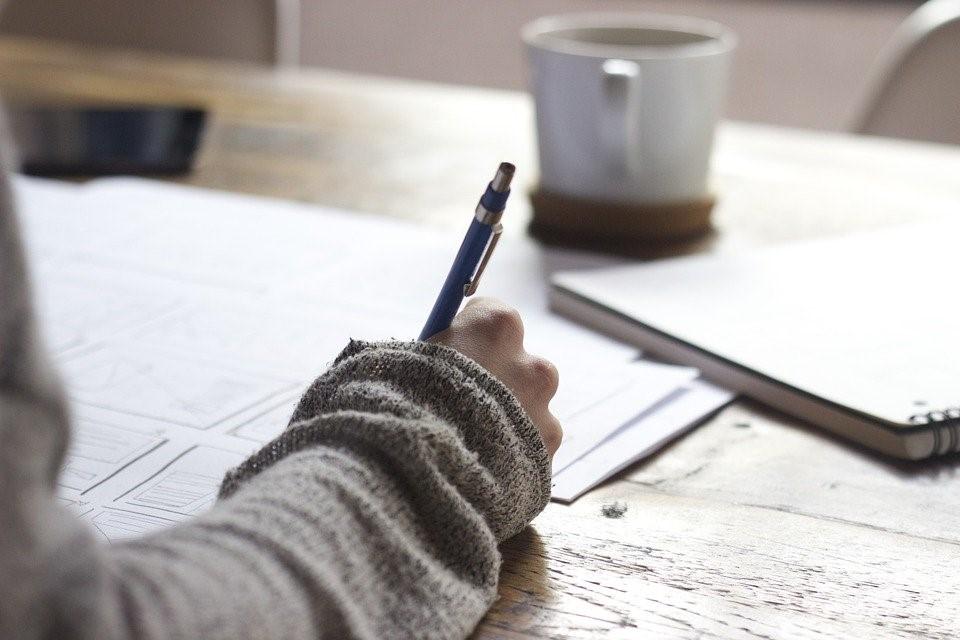 Schrijf- en leestips voor wie thuis zit